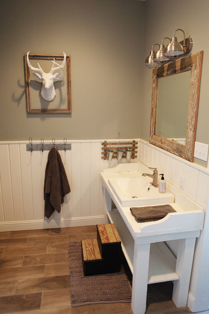 The Farmhouse Farmhouse Bathroom Other Metro By Magnolia Homes