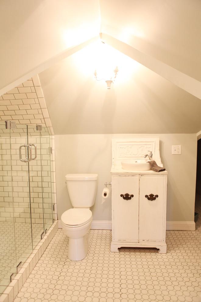 Cottage bathroom photo in Austin