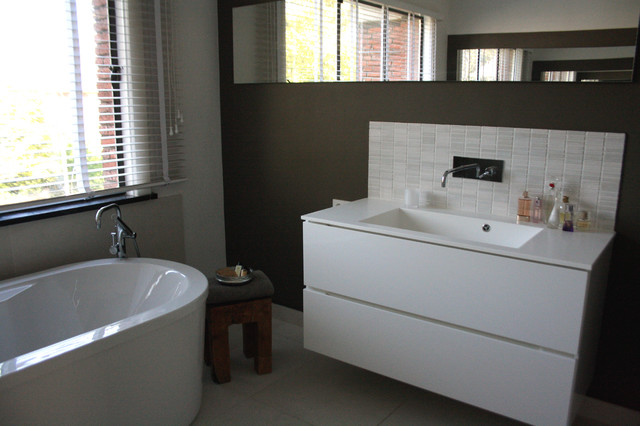 The home of Geert and Cecilia contemporary-bathroom