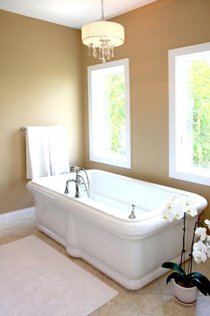 Hudson House traditional-bathroom