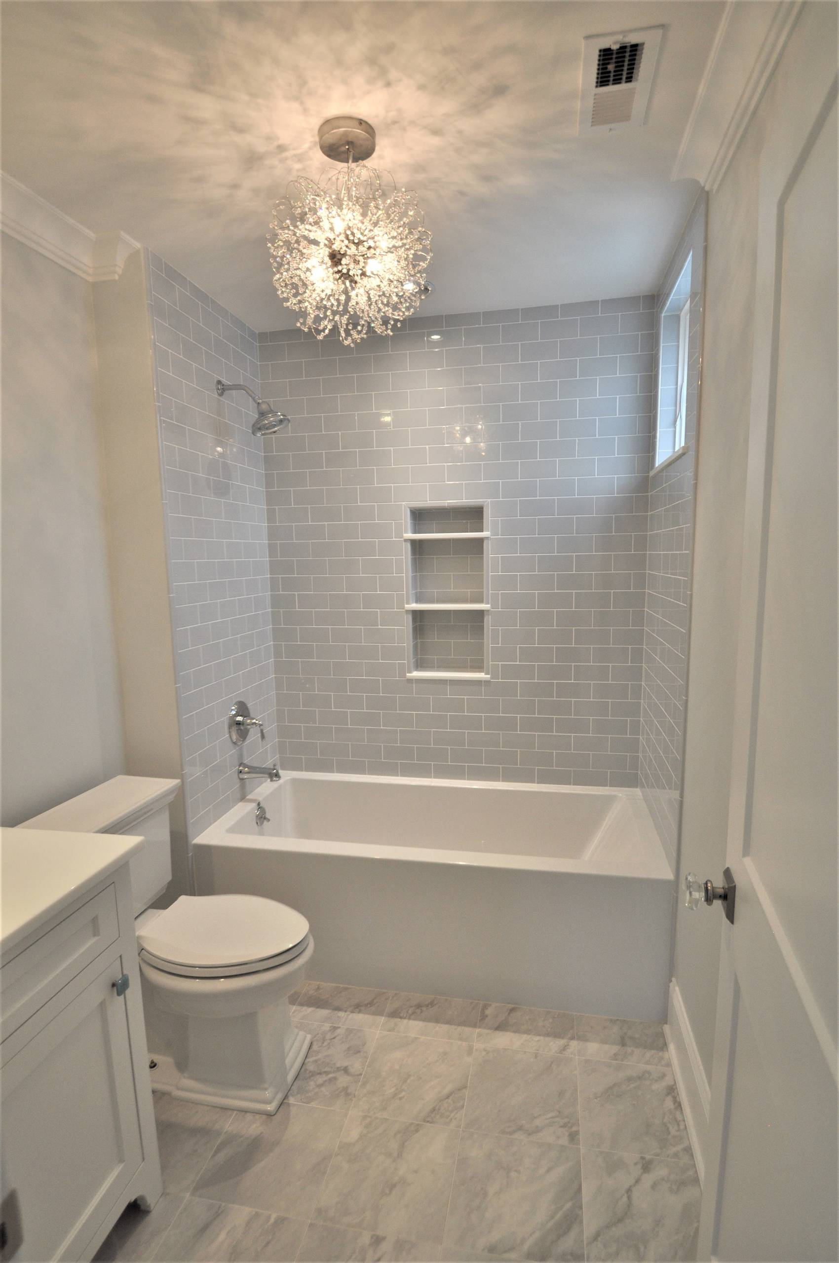 75 Beautiful Small Bathroom Pictures & Ideas - January, 2021 | Houzz