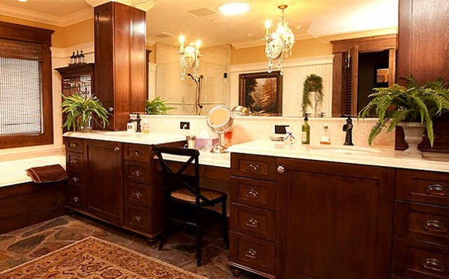 The Springs Country Club, Rancho Mirage traditional-bathroom