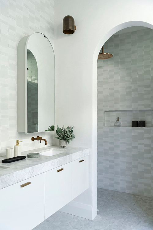 arches and curves in bathrooms