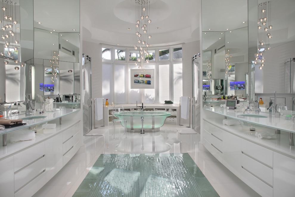 Trendy double shower photo in Miami