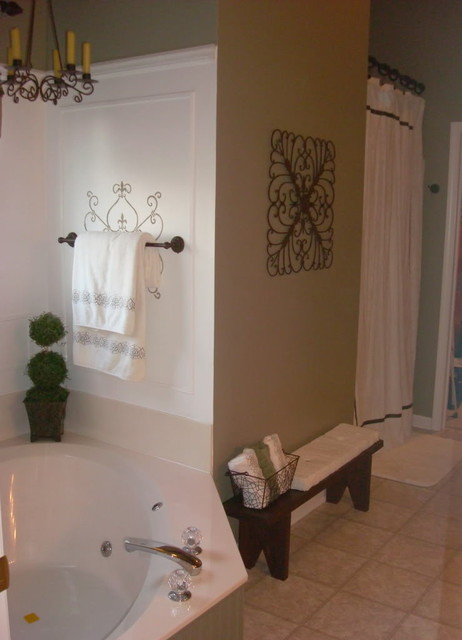 thriftydecorchick traditional bathroom