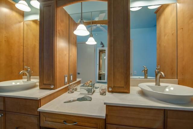 Tierra Santa Bathroom Remodel traditional-bathroom