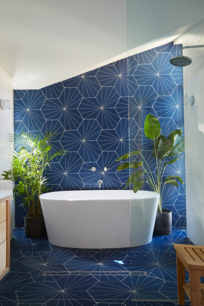 Bathroom - 1960s master blue tile and porcelain tile porcelain tile and blue floor bathroom idea in Los Angeles with flat-panel cabinets, light wood cabinets, white walls, an undermount sink, quartz countertops and white countertops