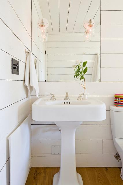 Nice Farmhouse Bathroom by Jessica Helgerson Interior Design