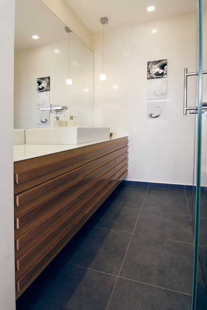 toilet modern-bathroom