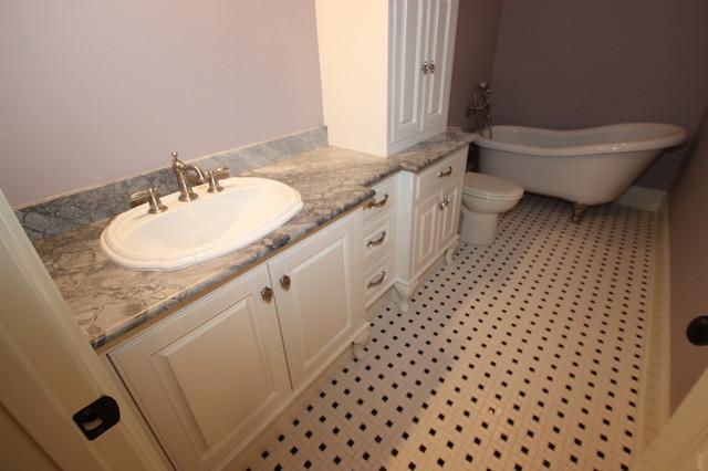Tolson traditional-bathroom