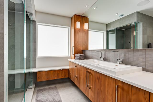 Total interior renovation contemporary bathroom for Total interior designs inc