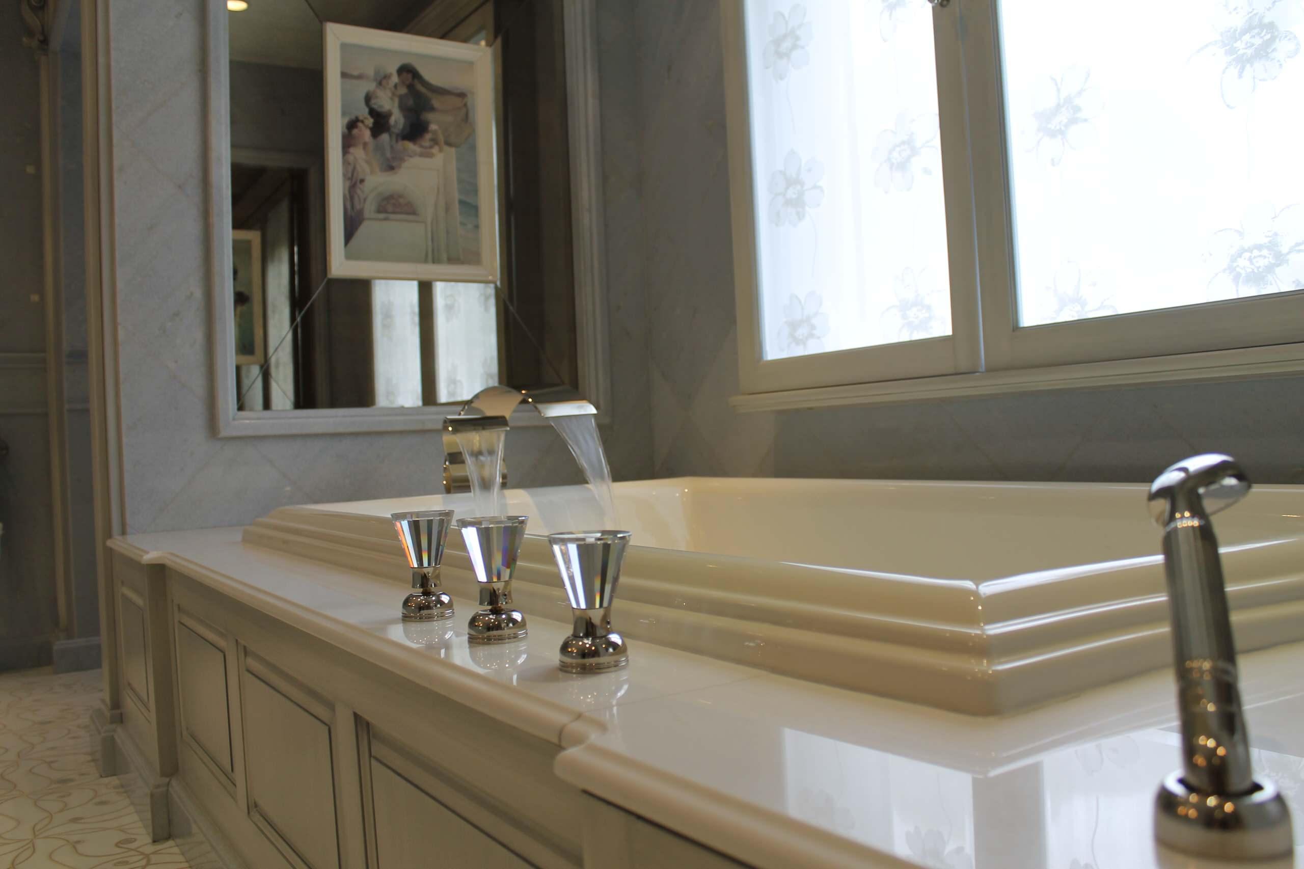 Traditional Bath Lawrence, NY Home