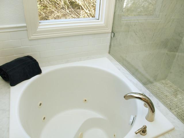 Traditional Bathroom, Austin, TX - Traditional - Bathroom - Austin ...