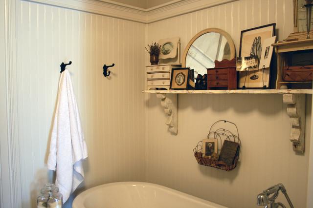 Traditional Bathroom Rustic Bathroom Toronto By Ieteke
