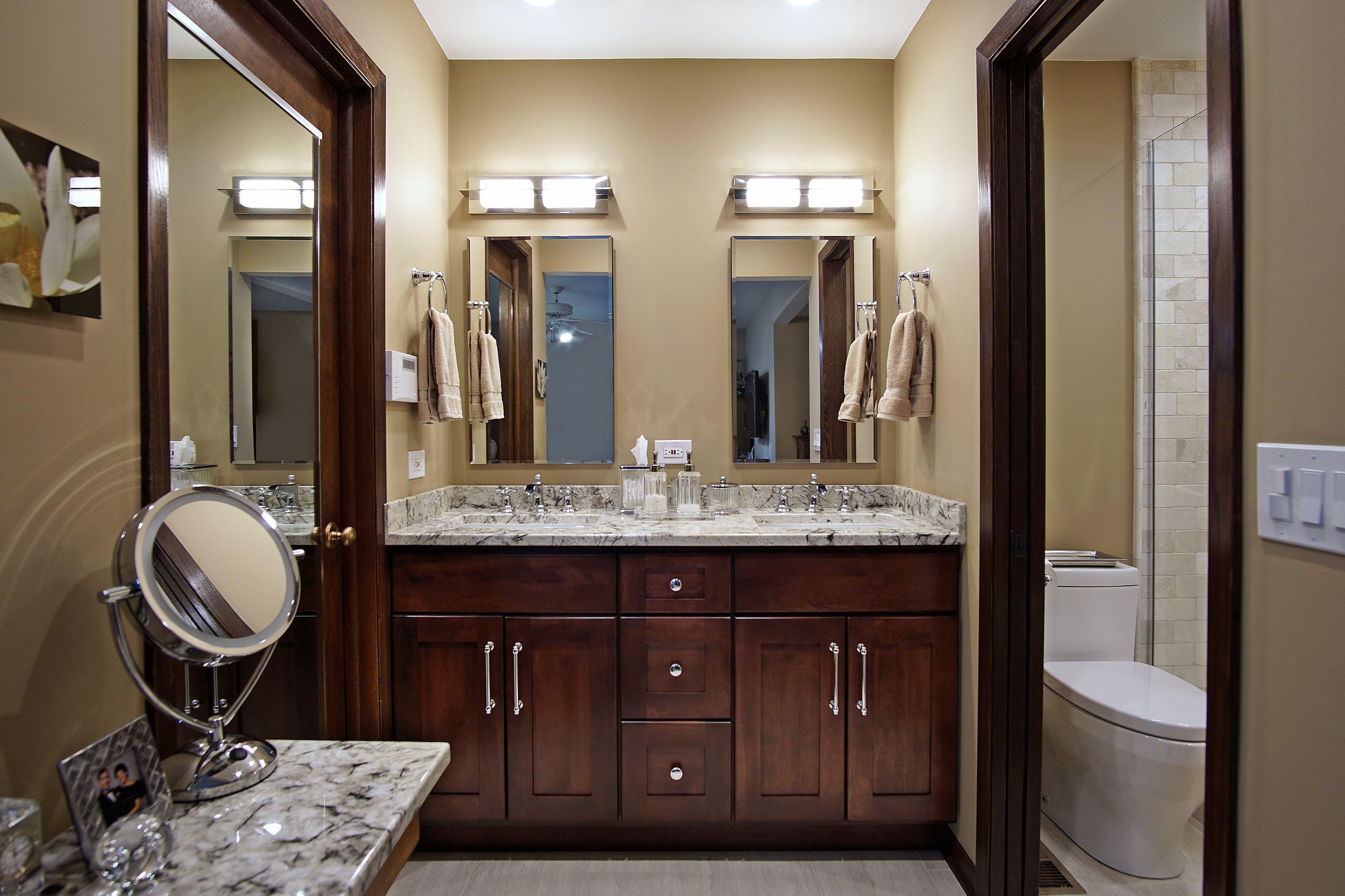 Traditional Bathroom in Buffalo Grove
