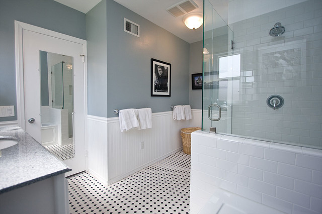 Traditional black and white tile bathroom remodel for Bathroom ideas tile and paint