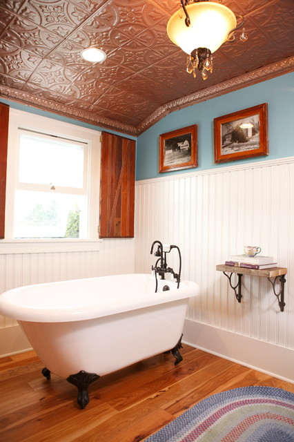 Traditional Copper Ceiling Country Bathroom