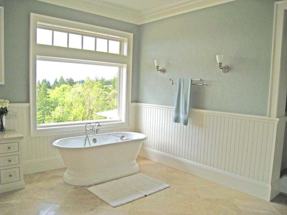 Bathroom - traditional bathroom idea in Portland