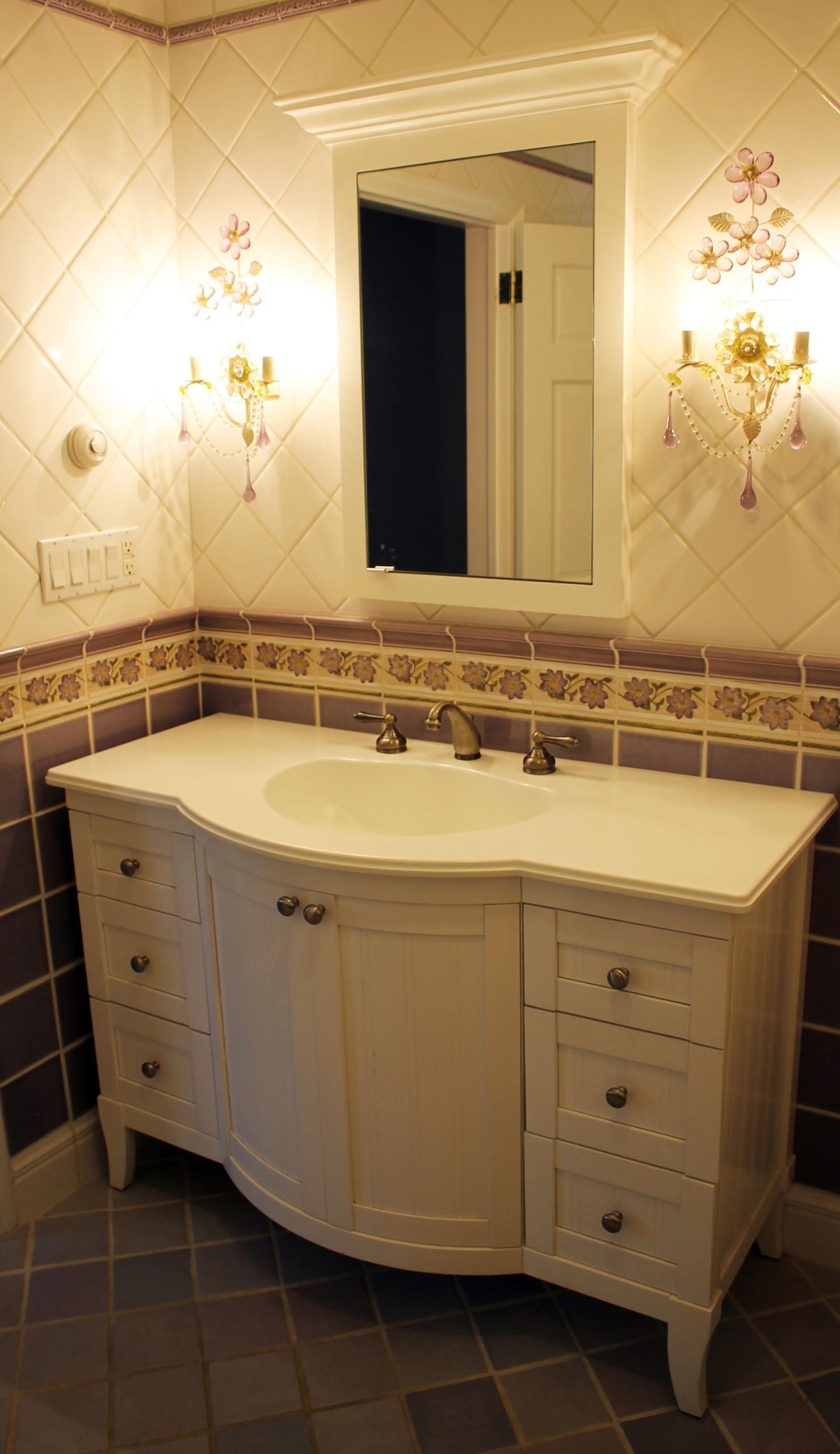 Traditional custom vanity Lawrence, NY Home