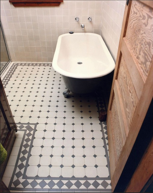 Traditional Gray Bath With Winckelmans Dot And Octagon