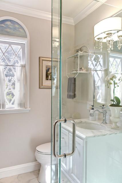 Traditional Guest Bathroom - Traditional - Bathroom - Los ...