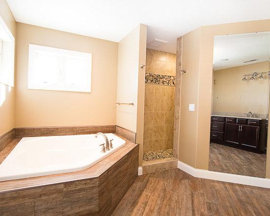 19 Lowes Wall Panels Bathroom Design Photos with a Corner Tub, Quartz ...