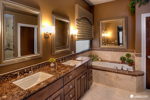 Traditional Master Bathroom Design 1
