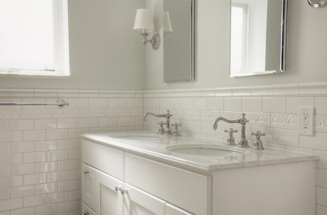 Lovely Traditional White Subway Tile Bathroom Traditional Bathroom