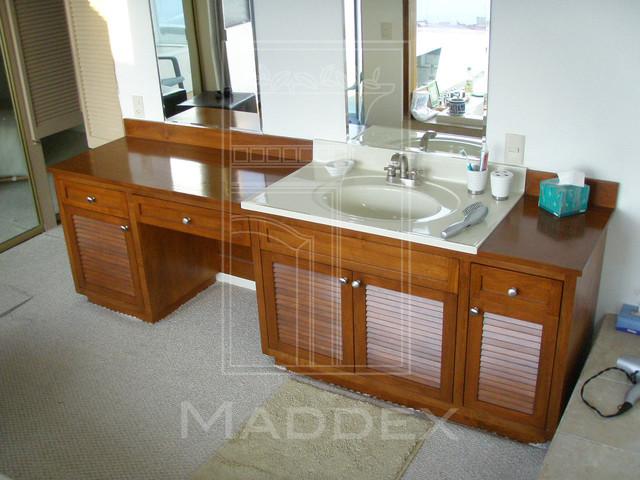 traditional woodwork traditional-bathroom
