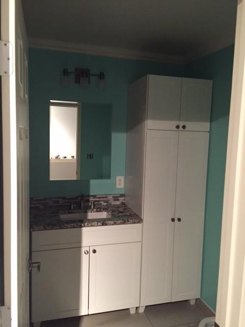 Trahan bathroom remodel in rockville md moderno for Bath remodel rockville md