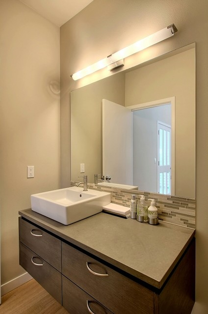 Tran Renovation contemporary-bathroom