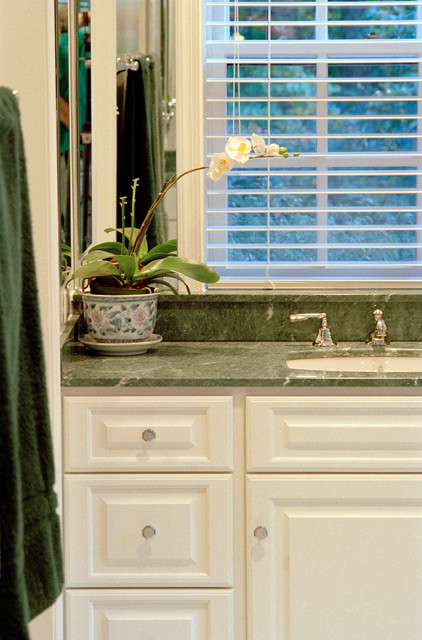 Transitional & Eclectic transitional-bathroom