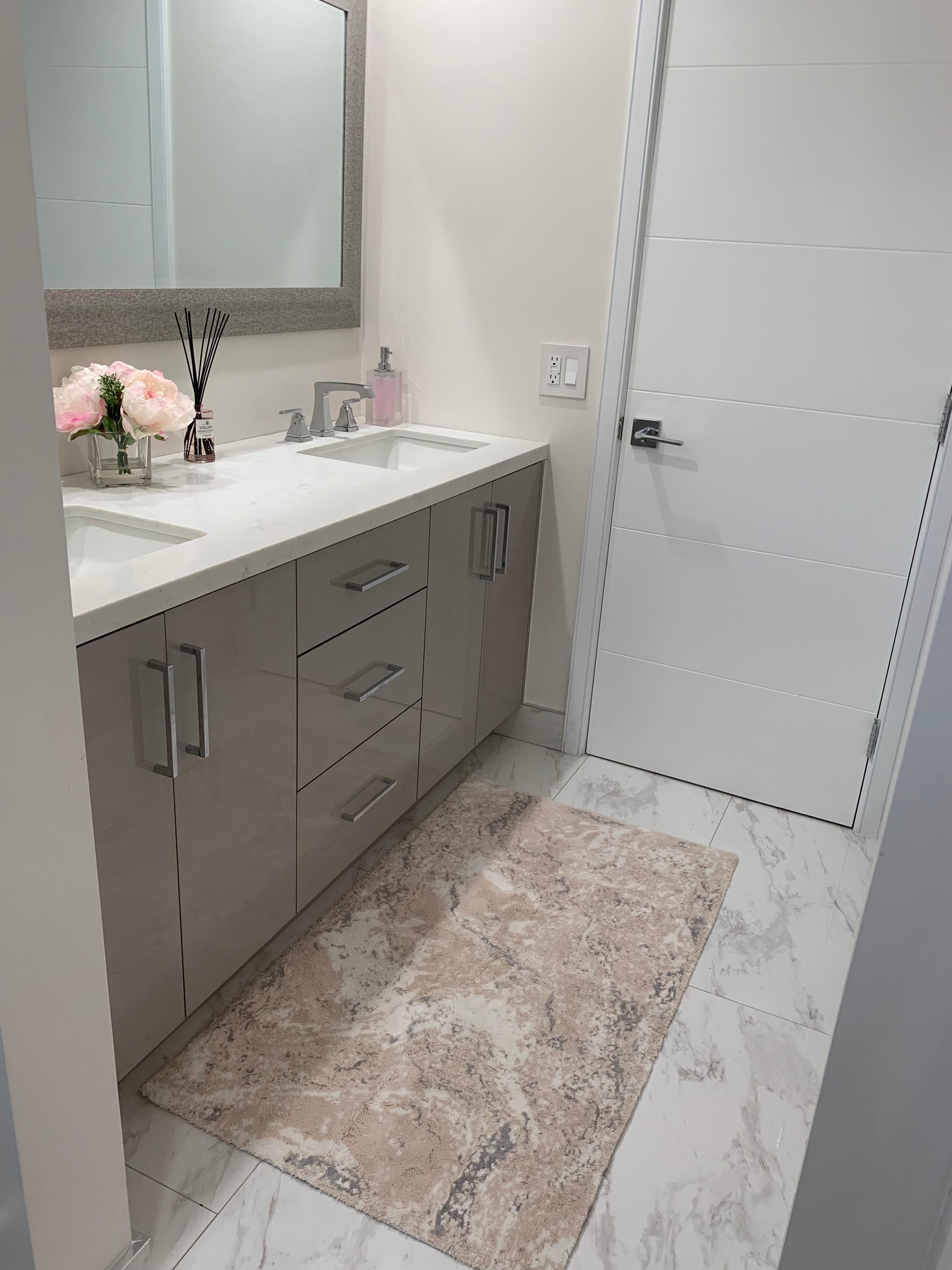 Transitional Girls Bathroom
