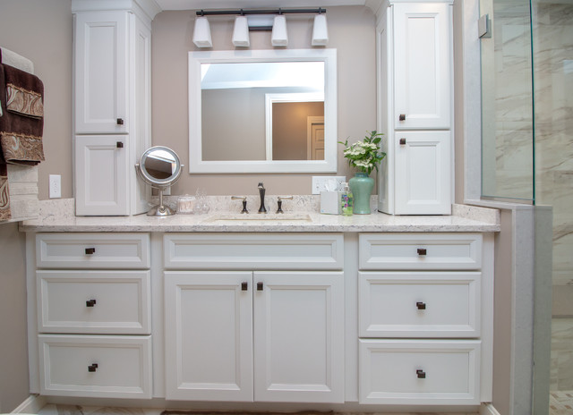 Transitional Hollow White Paint Finish Bath Remodel W Basket Weave Deco Panel Transitional Bathroom Manchester By Cyr Kitchen And Bath Houzz Ie