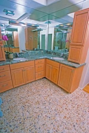 Transparent Pebble Floor modern-bathroom