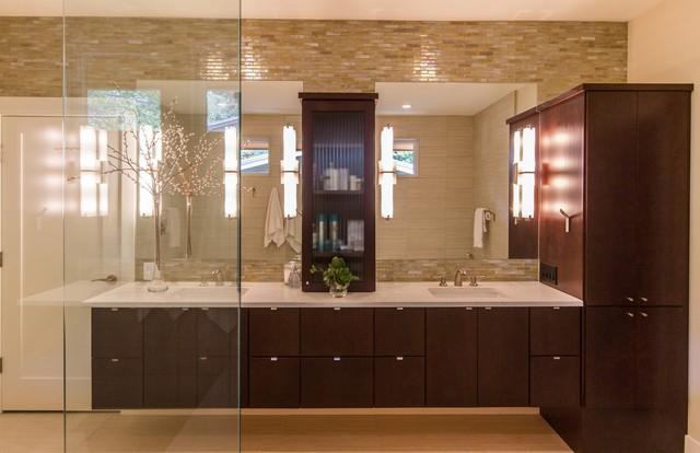 Travis Heights modern-bathroom