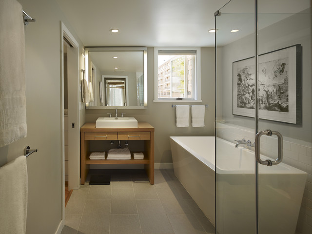 modern bathroom by Rasmussen / Su Architects