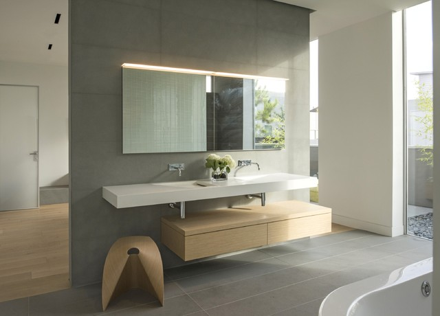 Tripartite House Contemporary Bathroom Houston By Hansgrohe Usa