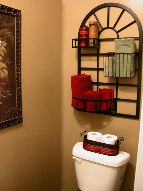 Anita Diaz tropical bathroom