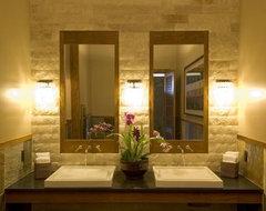 Aina Nalu tropical-bathroom