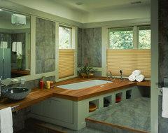 tropical craftsman craftsman-bathroom