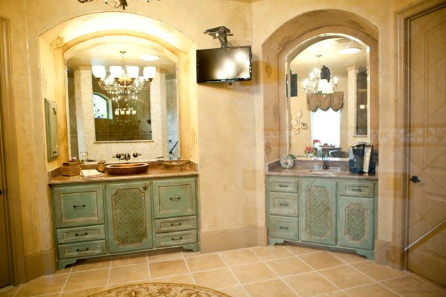 Tuscan Villa Interior Design Bathroom