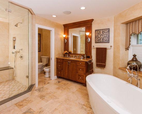 Glass shower doors for bathtubs home design ideas for Decoration armoire salon