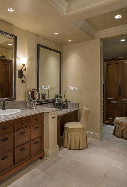 Twelve Oaks traditional-bathroom