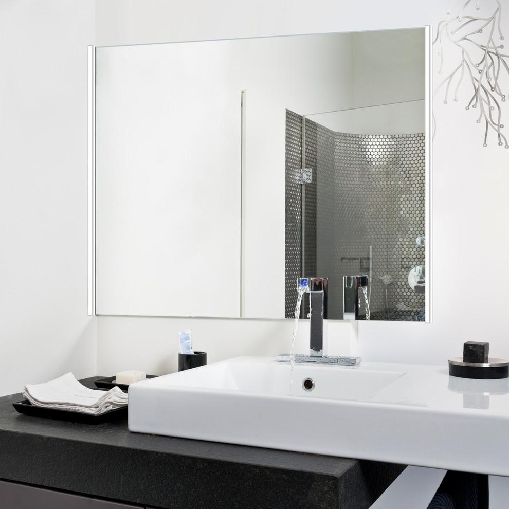 Bathroom - contemporary bathroom idea in Chicago