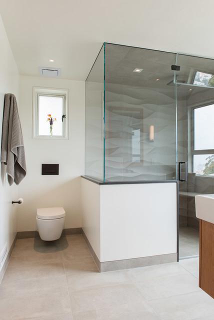 Small minimalist bathroom photo in San Francisco