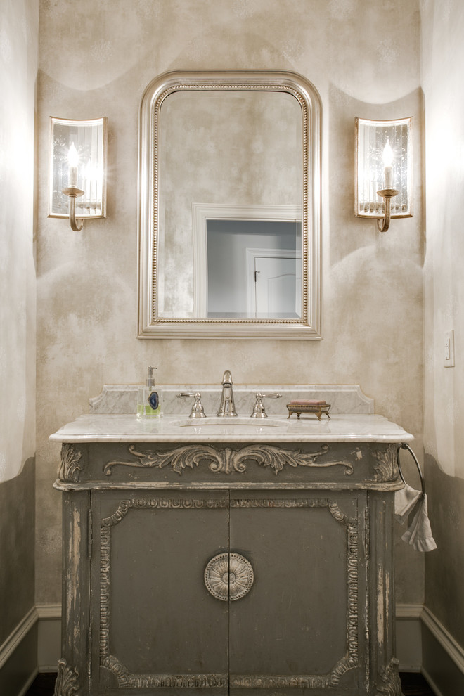 Inspiration for a timeless bathroom remodel in Dallas with an undermount sink, furniture-like cabinets, gray cabinets and beige walls