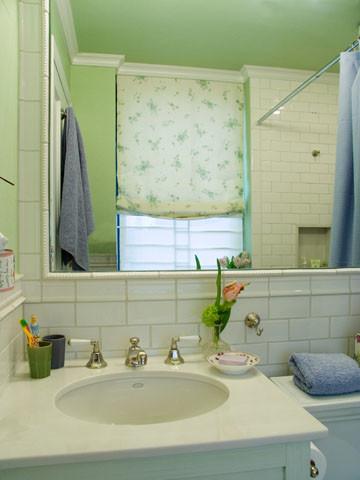 Upper East Side Condo traditional-bathroom