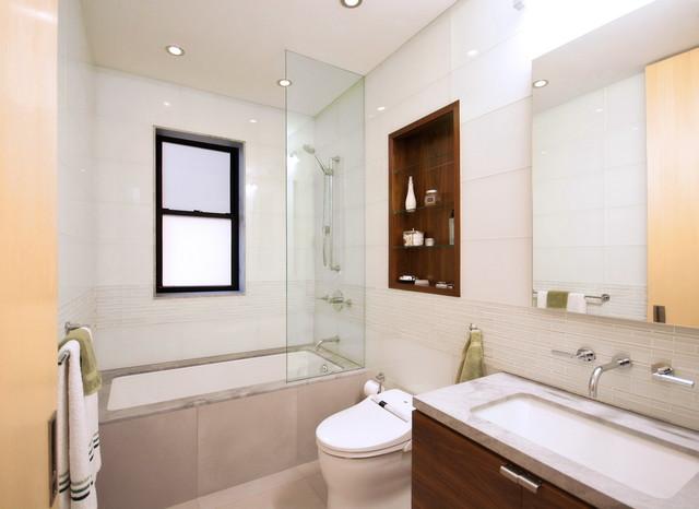 Upper West Side Combo modern-bathroom