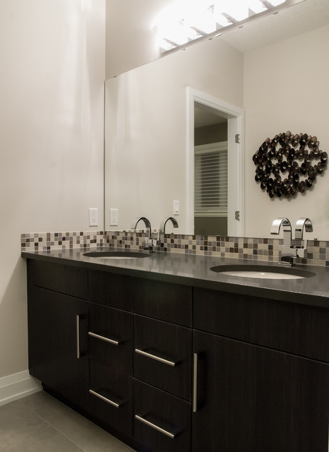 Upper Windermere  Premier - The Modena Show Home contemporary-bathroom